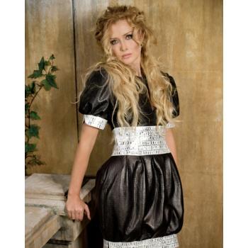 Кожаное женское платье с белыми вставками